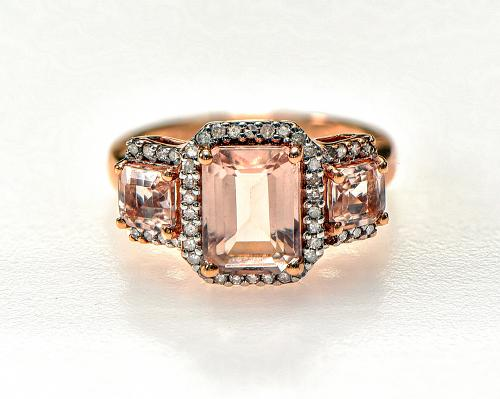 10k Morganite & Diamond Ring