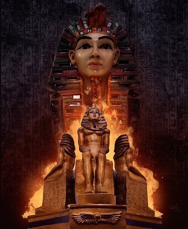 The Magick Of Tutankhamun In Your Hands Egyptian Spell Of Courage