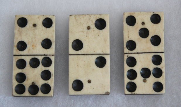 PARANORMAL ARTIFACT :: CIVIL WAR DOMINOS TAKEN FROM UNION CAMP SITE IN VIRGINIA (CLASS 5, TIER 3)