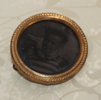 MOURNING PIN :: EARLY 20TH CENTURY :: SPELLED WITH HARMONY & BALANCE